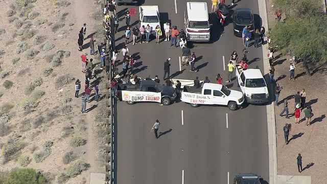 TRUMP PROTESTERS BLOCK TRAFFIC IN AZ
