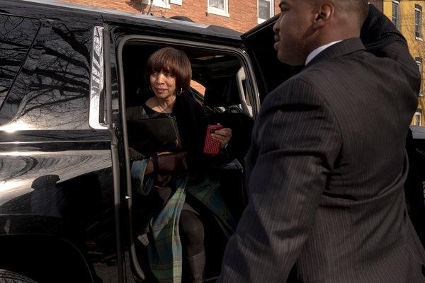"BALTIMORE: FBI Raids Mayor Catherine Pugh's Home – Gov Calls For Resignation: ""She Is Not Fit To Lead"""