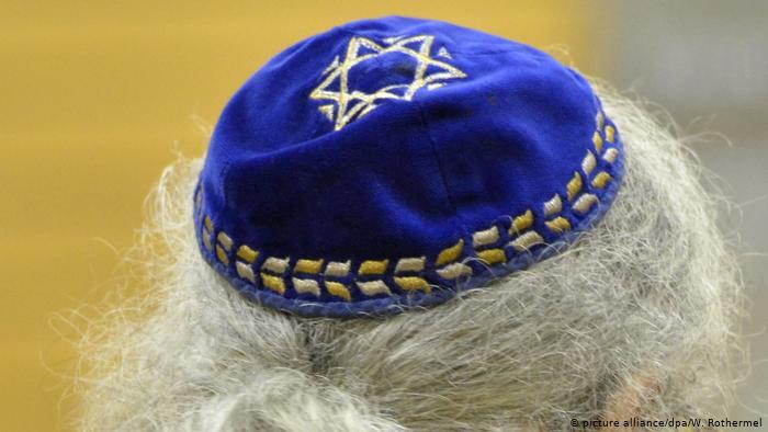 German Officials Warn Jews Against Wearing Kippahs In Public – Anti-Semitism Grows With Asylum-Seekers