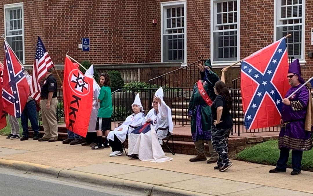 """KKK Gathers In North Carolina – Claim They Are Helping """"Make America Great Again"""""""