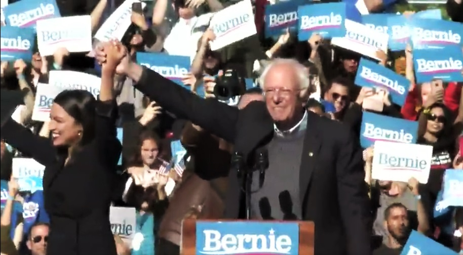 SANDERS Takes Lead In IOWA For First Time – 3 Weeks To Go Until Kick-Off Caucus